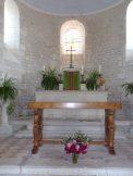 Dompierre-sur Charente - L'église Saint-Blaise - L'autel (8 juin 2018)