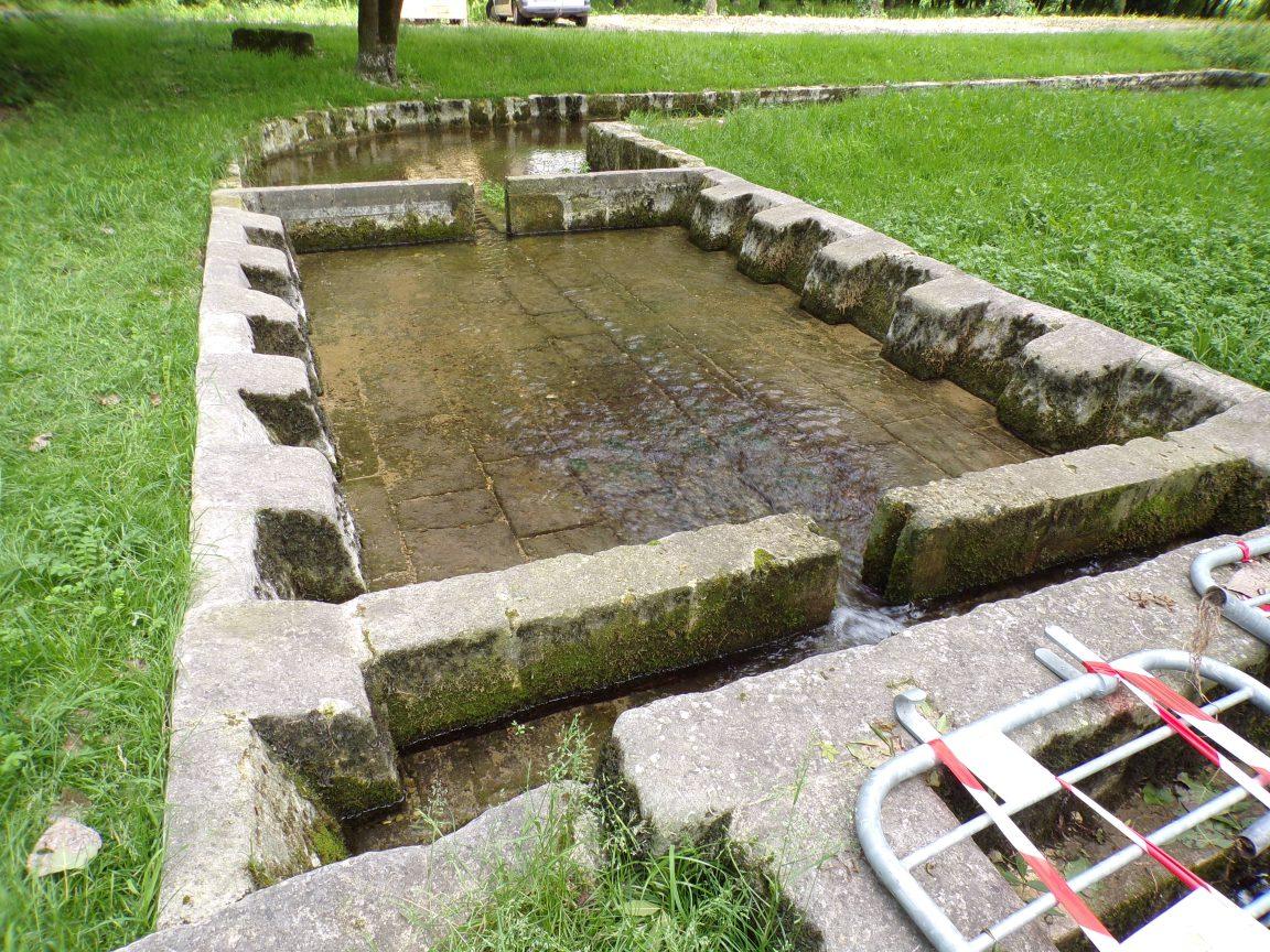 Dompierre-sur Charente - Le lavoir 'Fontaine du Pré St Jean' (8 juin 2018)