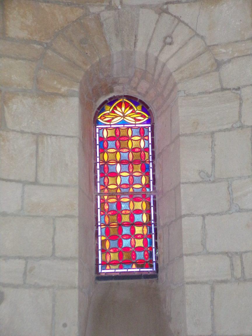 Le Seure - L'église Notre-Dame de l'Assomption - Un vitrail (22 juin 2018)
