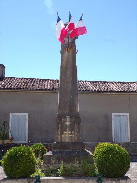 Pérignac - Le monument aux morts (25 juin 2018)