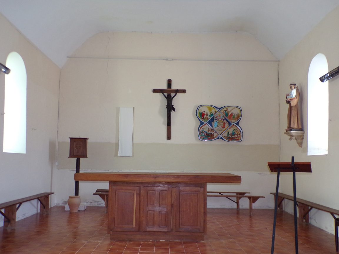 Celles - L'église Saint-Christophe - L'autel (12 juillet 2018)