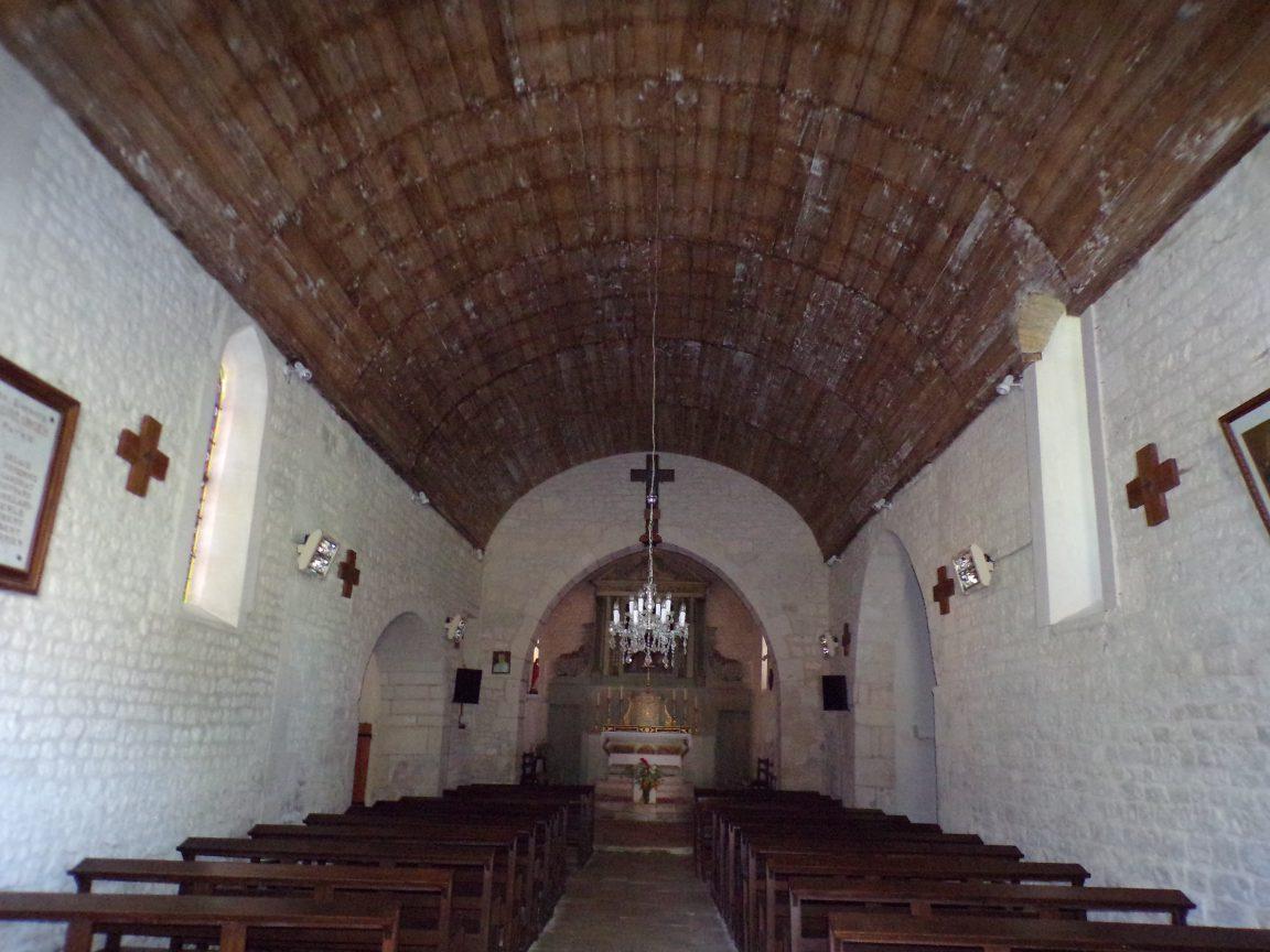 Coulonges - L'église Saint-Saturnin - Vue de l'entrée (8 juillet 2018)