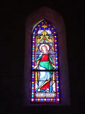 Coulonges - L'église Saint-Saturnin - Le vitrail 'Virgo Immaculata' (8 juillet 2018)