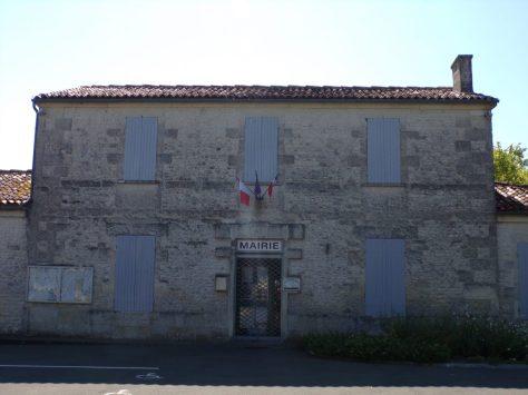 Coulonges - La mairie (8 juillet 2018)