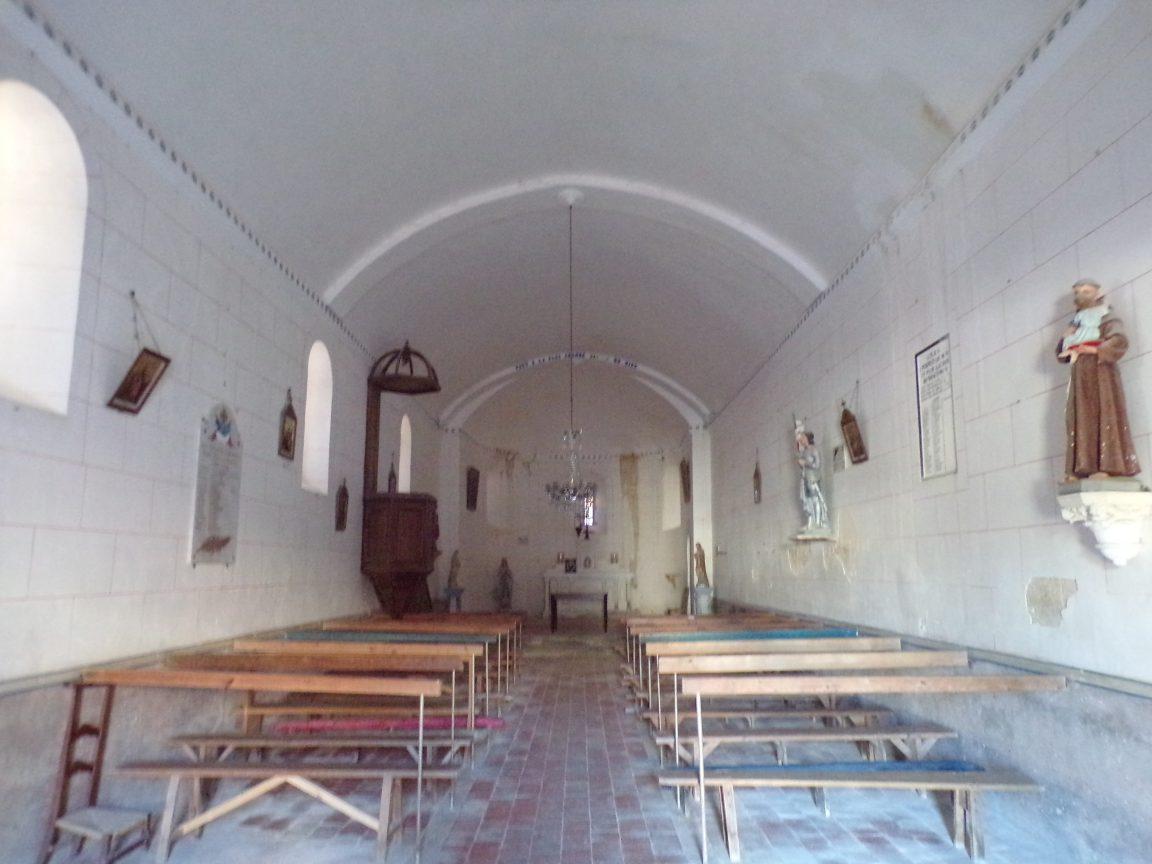 Courbillac - L'église d'Herpes - Vue de l'entrée (23 juillet 2018)