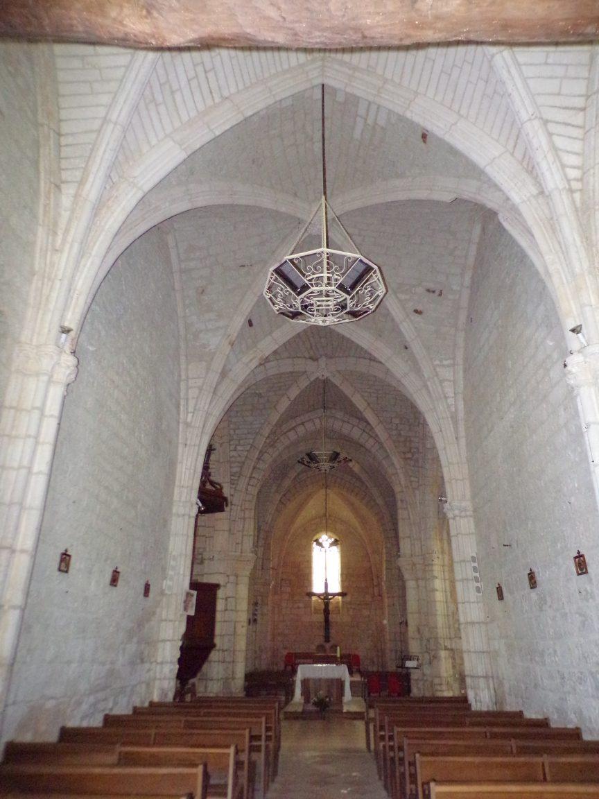 Germignac - L'église Saint-Pierre - Vue de l'entrée (17 juillet 2018)
