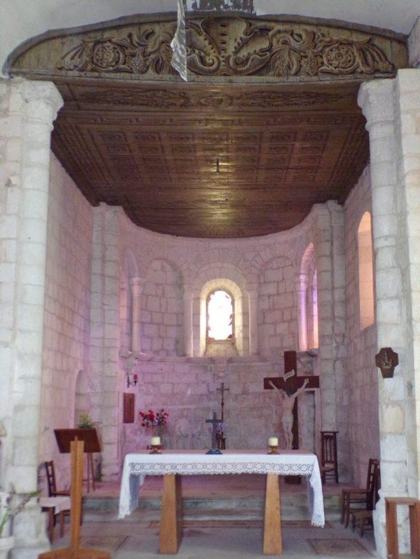 Rouffiac - L'église Saint-Vivien - L'autel (17 juillet 2018)