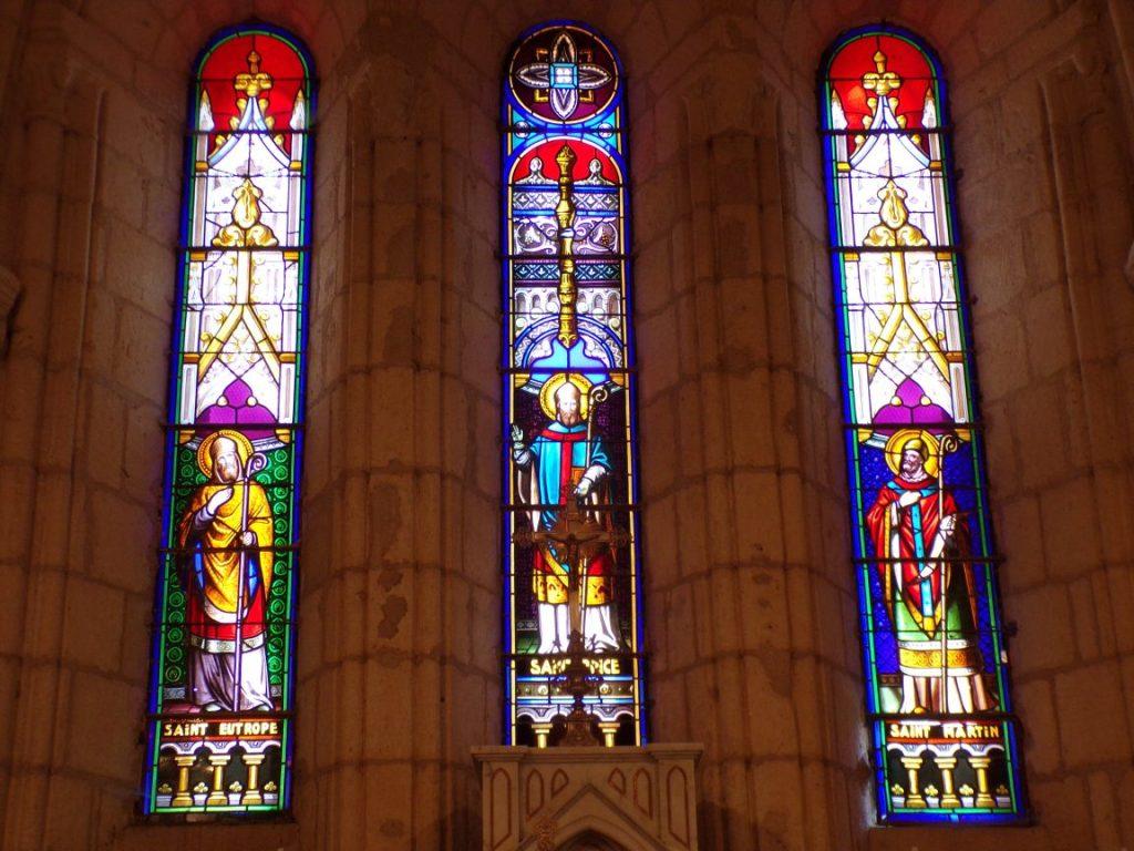 Saint-Brice - L'église Saint-Brice - Les vitraux 'Saint Eutrope - Saint Brice - Saint Martin' (25 juillet 2018)
