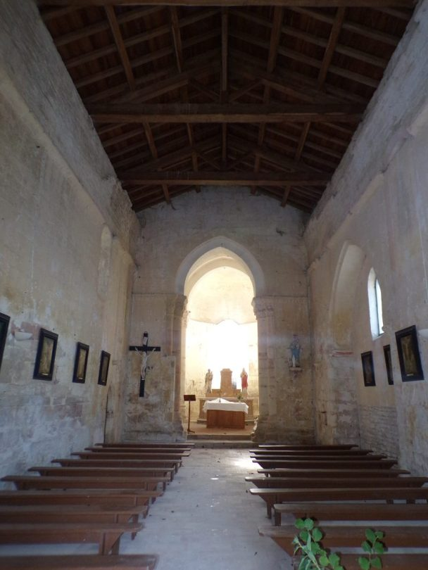 Brie sous Matha – L'église Saint-Pierre – Vue de l'entrée (13 août 2018)