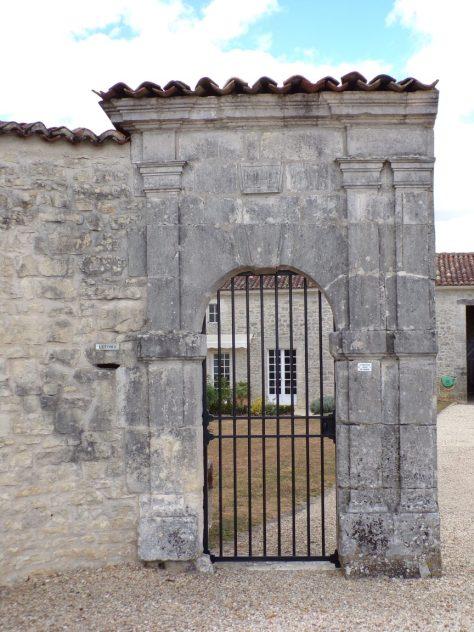 Foussignac - Le chai des Pères daté 1148 (9 août 2018)