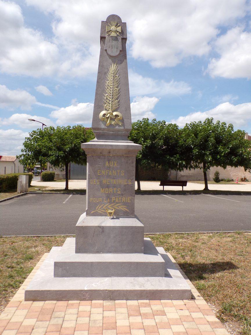 Les Métairies - Le monument aux morts (30 juillet 2018)