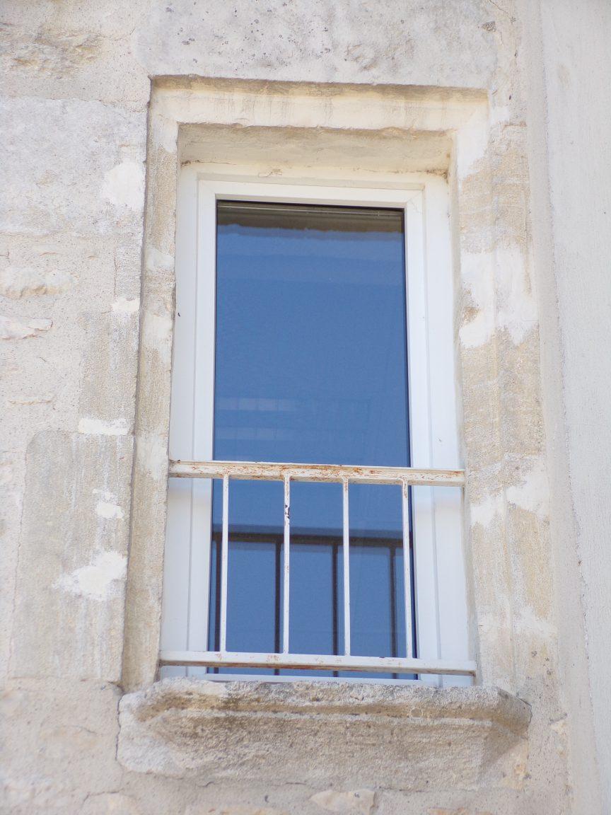 Mareuil - Le presbytère - La fenêtre de la façade postérieure (21 août 2018)