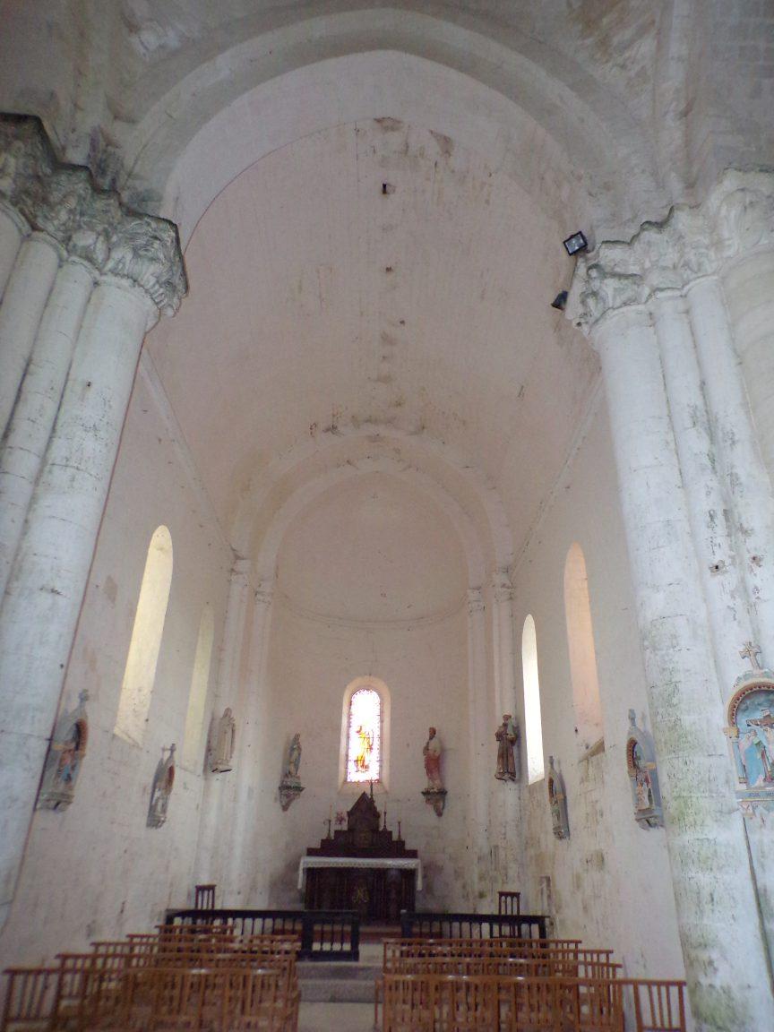 Matha - L'église Saint-Pierre de Marestay - Vue de l'entrée (13 août 2018)