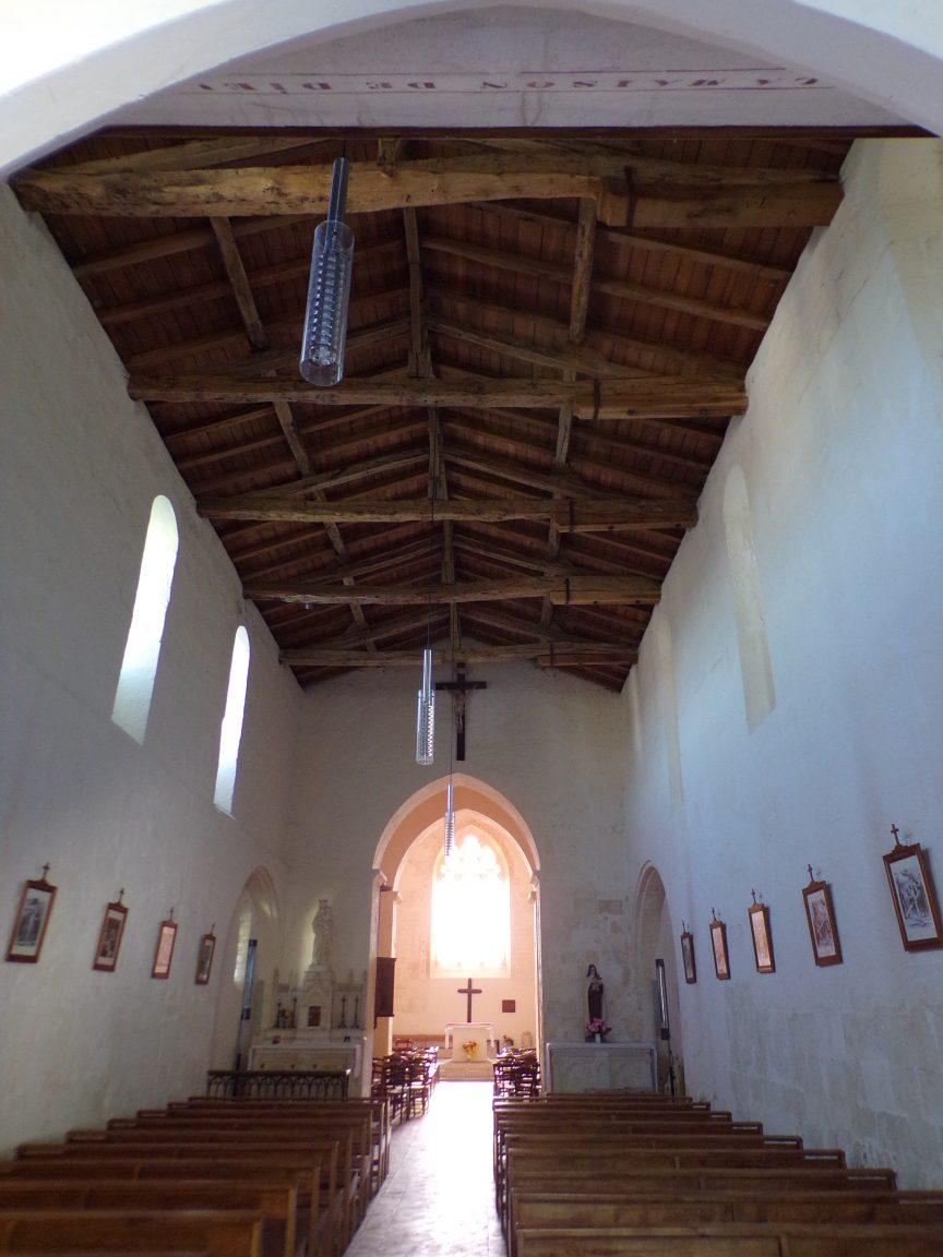 Chassors - L'église Saint-Romain - Vue de la porte d'entrée (15 septembre 2018)