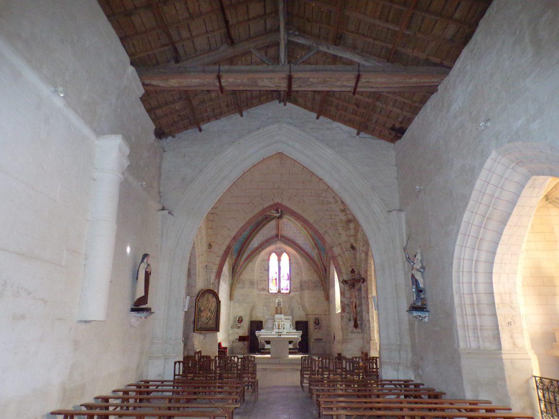 Neuvicq-le-Château - L'église Saint-Martin - Vue de l'entrée (16 septembre 2018)