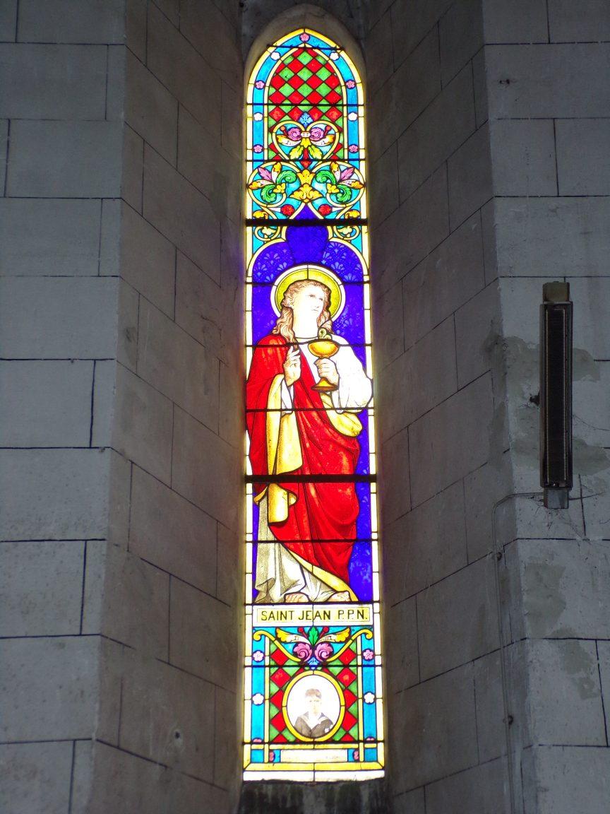 Javrezac - Vitrail dédié à Saint Jean l'évangéliste (5 mars 2019)
