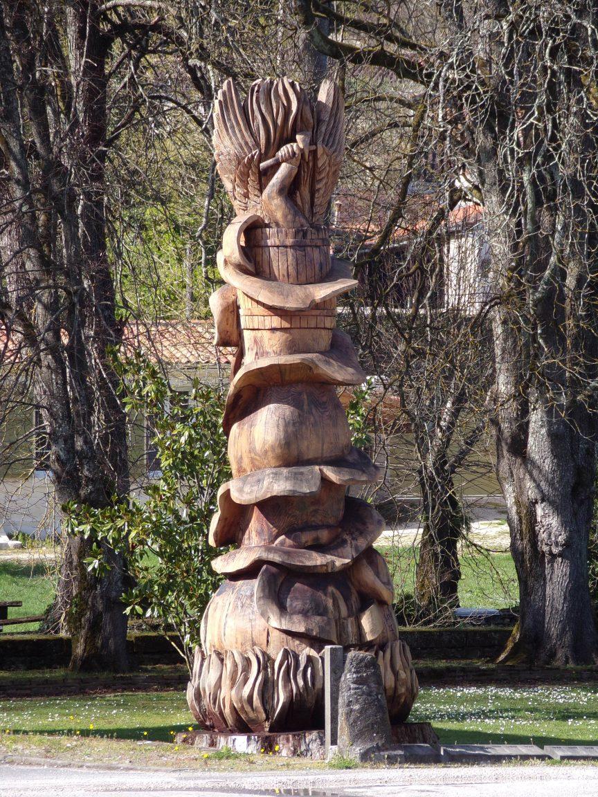 Javrezac - La statue à la distillerie de la Groie (11 mars 2019)