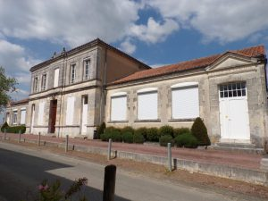 Nercillac - Ancienne école-mairie (30 avril 2019)