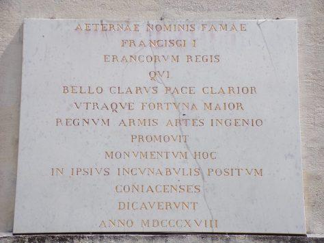 Boulevard Denfert-Rochereau - Musée municipal - Plaque de marbre provenant de la pyramide à la mémoire de la naissance de François Ier (6 mai 2019)