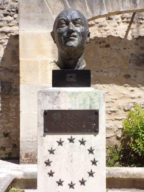 Buste Jean Monnet - situé à la Salamandre (15 mai 2019)