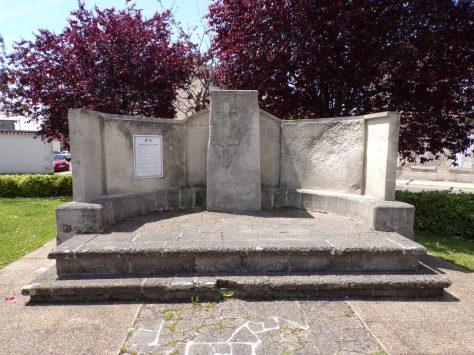 Place du Général de Gaulle - A la mémoire du Général de Gaulle (22 mai 2019)