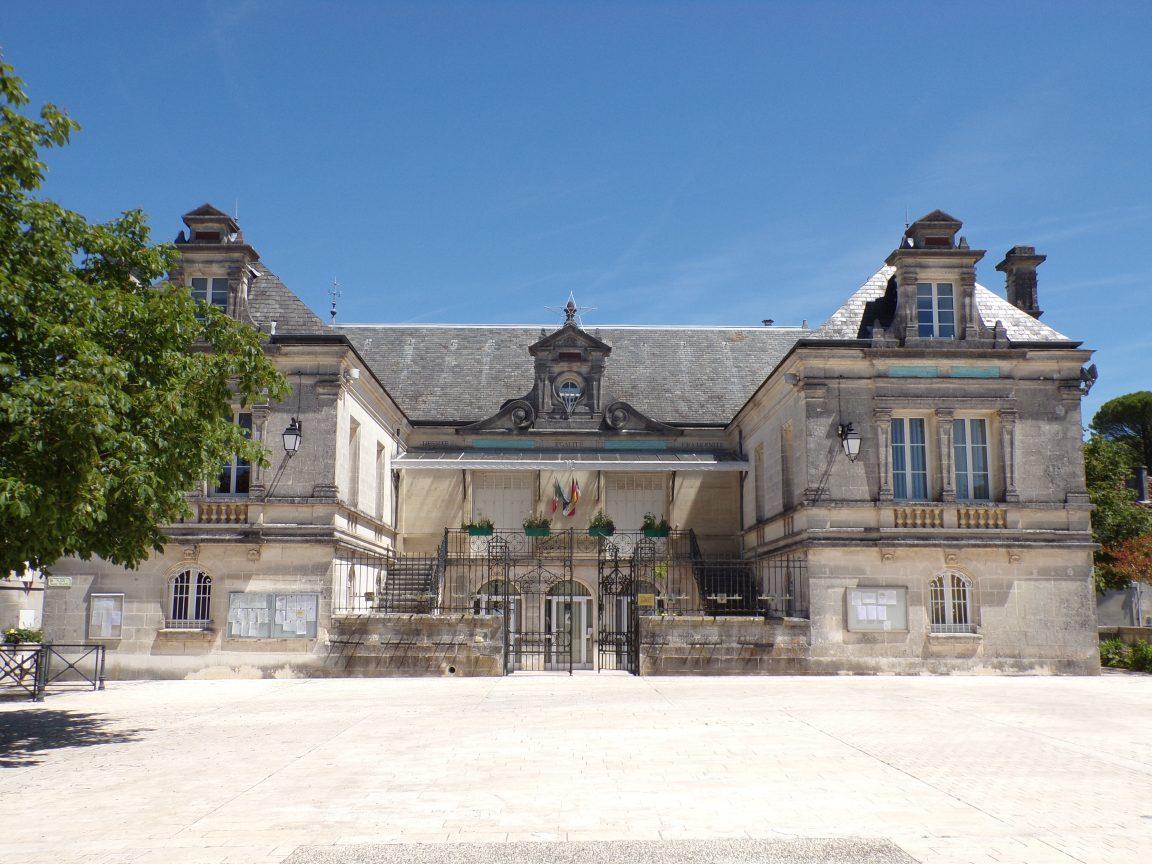 Segonzac - La mairie (17 juin 2019)
