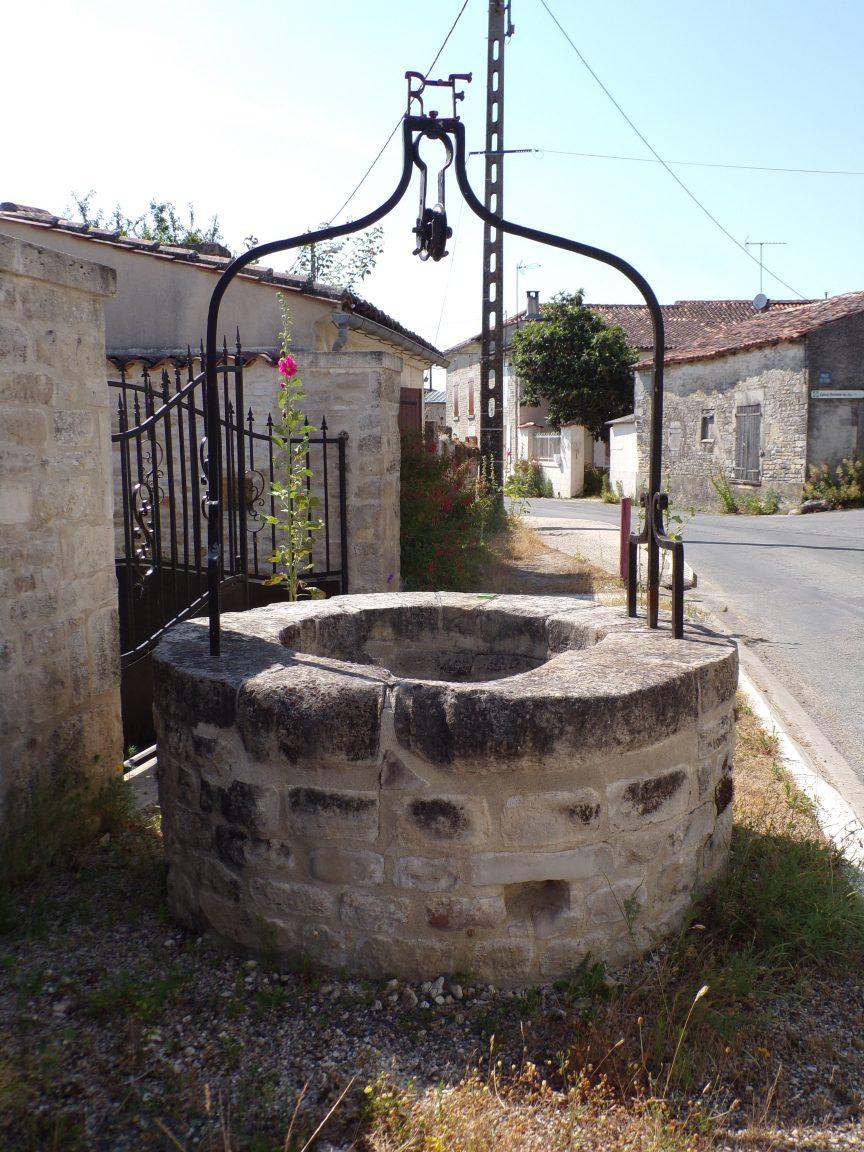 Brie-sous-Matha - Le puits (3 juillet 2019)