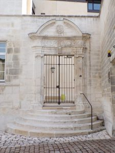 Rue Emile Albert - Hôtel Chabot de Peuchebrun (2 juillet 2019)