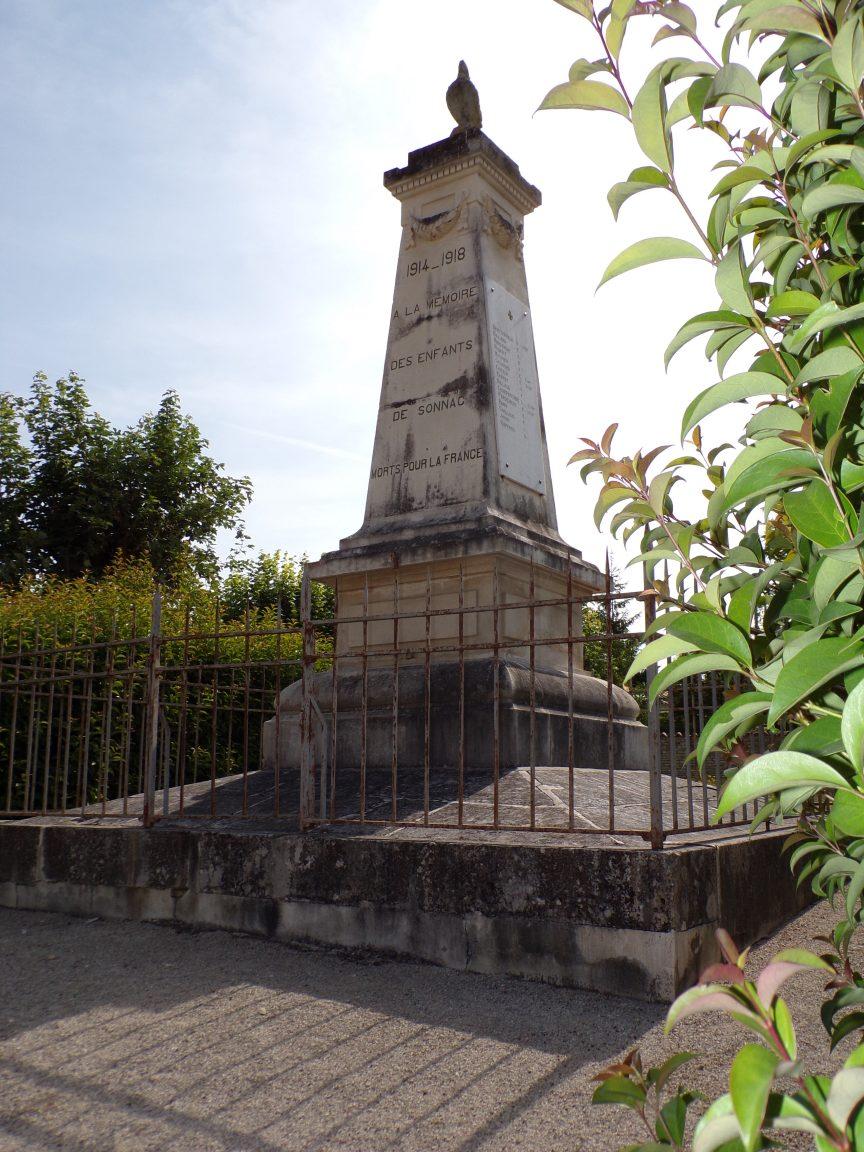 Sonnac - Le monument aux morts (18 juillet 2019)