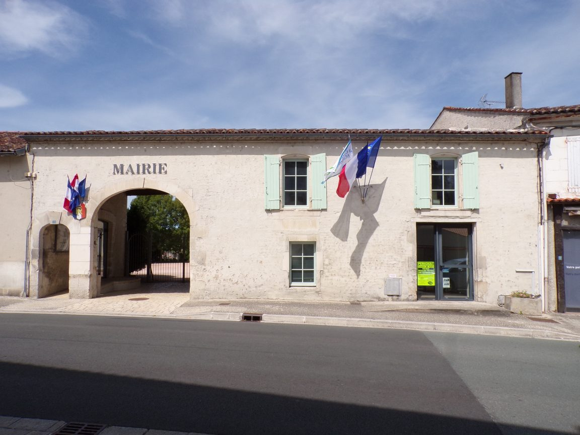 Pérignac - La mairie (21 août 2019)