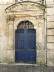 Porte 28 rue Émile Albert (28 mars 2015)