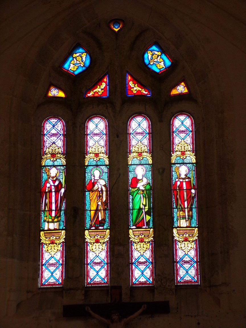 Ambleville - L'église Saint-Pierre - Le vitrail 'Saint Eutrope, Saint Pierre, Saint Paul, Saint Ausone' (21 septembre 2019)
