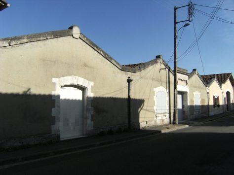 Chai Maurain P.A. et Cie ; puis distillerie d'eau-de-vie de cognac A. Guillien, puis Jules Bouchet (26 août 2015)