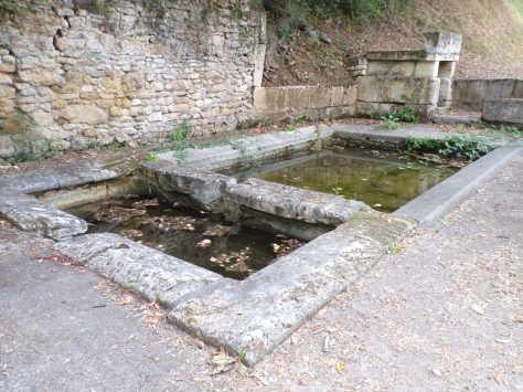 Cherves-Richemont - Le lavoir Saint-Vivien (4 septembre 2016)