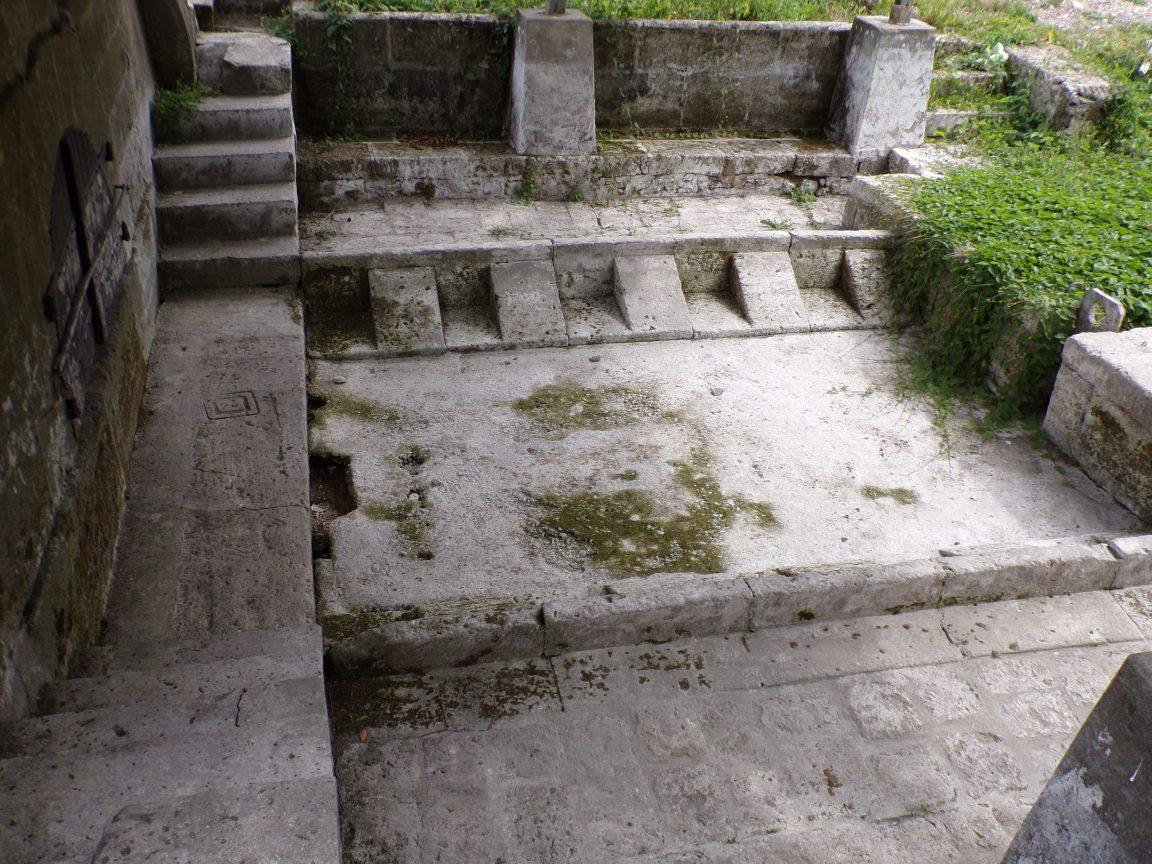 Javrezac - Fontaine - Lavoir de Gate-chien (4 septembre 2016)