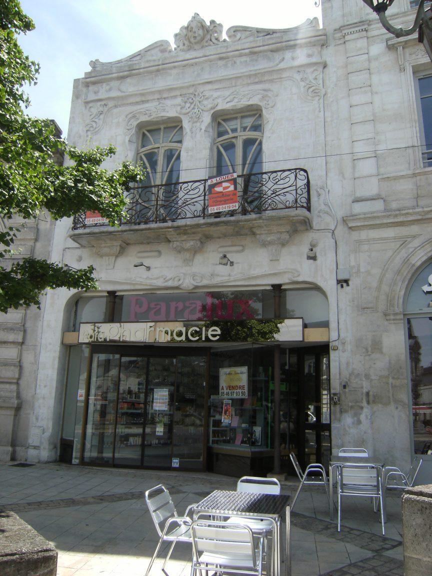 Magasin de Commerce (Pharmacie)
