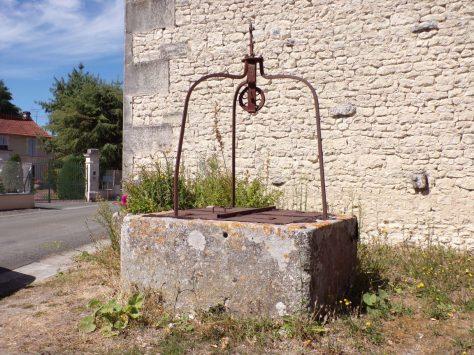 Salignac sur Charente - Un puits (3 septembre 2016)