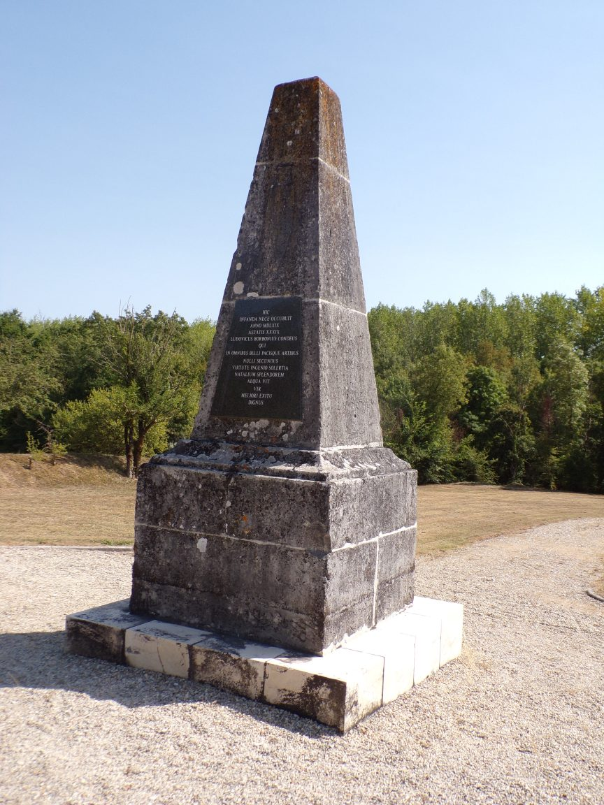 Triac-Lautrait - La Pyramide de Condé (8 septembre 2016)