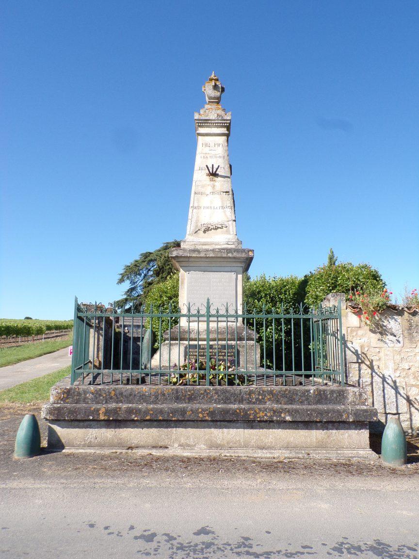Bourg-Charente - Le monument aux morts (27 mai 2020)