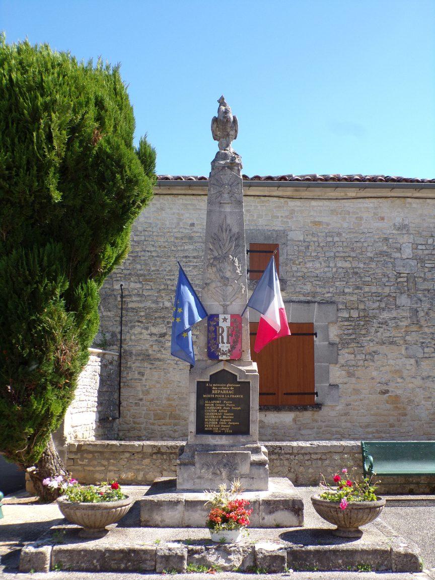 Réparsac - Le monument aux morts (27 mai 2020)