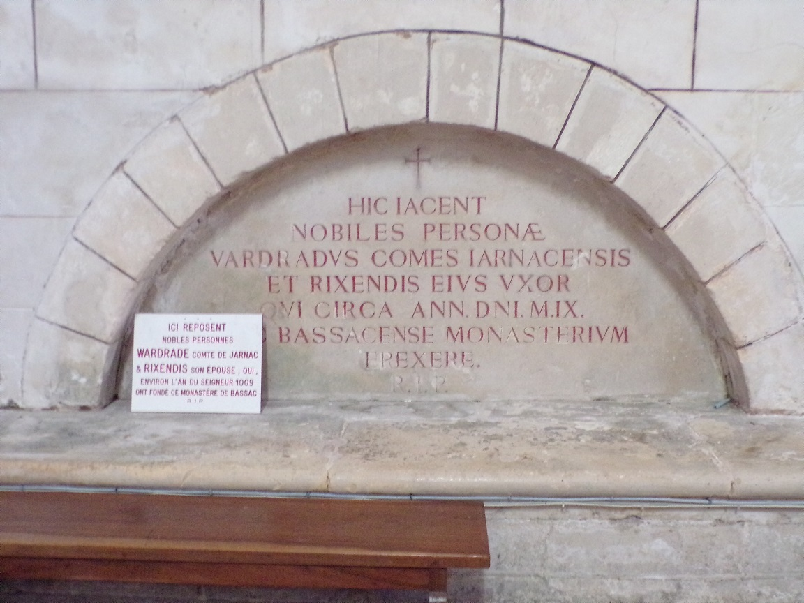 Bassac - L'abbaye Saint-Etienne - 'Hic iacent...' (18 août 2016)