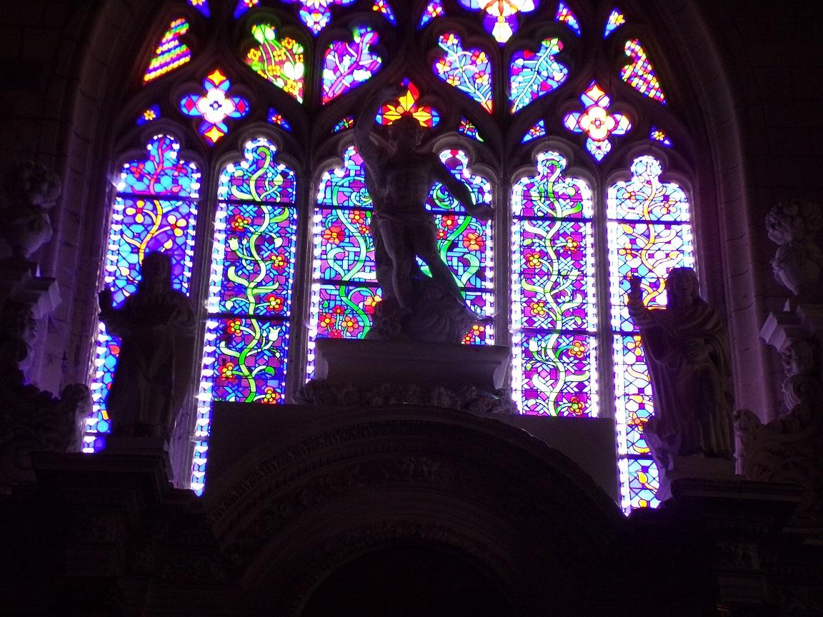 Bassac - L'abbaye Saint-Etienne - Des vitraux (18 août 2016)