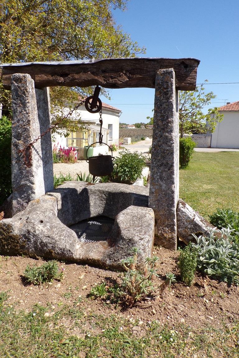 Bourg-Charente - Le puits du Logis du Tilloux (24 avril 2017)