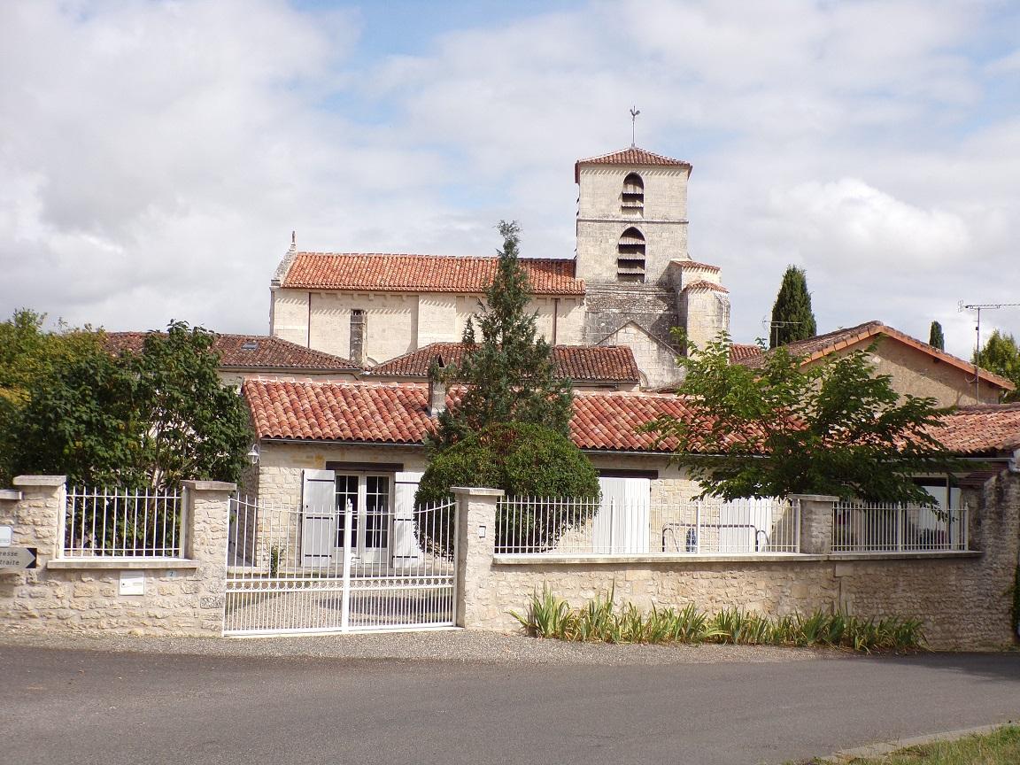 Bourg-Charente - L'église Saint Jean Baptiste (18 août 2016)