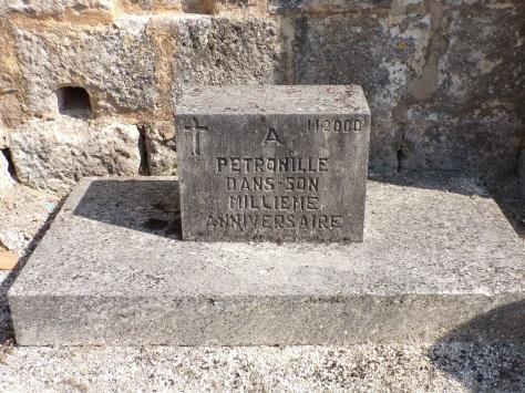 Bouteville - La tombe Pétronille (8 septembre 2016)