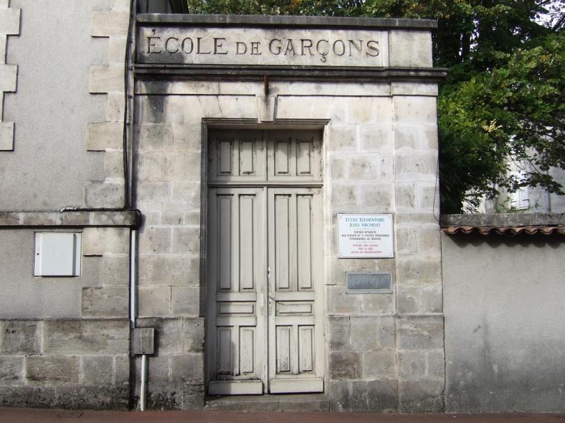 Aumônerie Saint Jacques (Ecole de Garçons) , Hôpital, Gendarmerie, Ecole (11 octobre 2015)