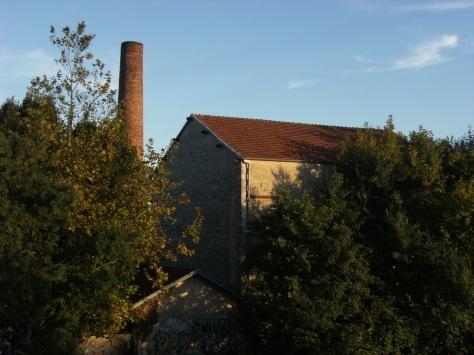Centrale thermique dite compagnie d'électricité de Cognac, puis magasin de commerce Leclerc, actuellement usine de peinture Martin D. S.A. (27 septembre 2015)