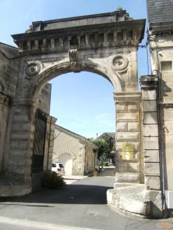 Distillerie d'eau-de-vie de cognac Lucien Foucauld et Cie, actuellement Compagnie commerciale de Guyenne (20 août 2015)