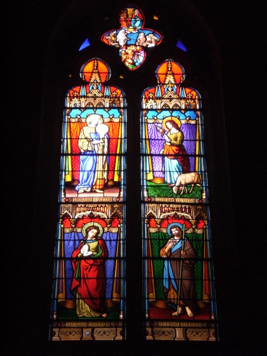 Cognac - L'église Saint-Léger - Les vitraux 'Saint Ludovic, Saint Geneviève, Saint Madeleine, Saint Jean (3 juillet 2015)
