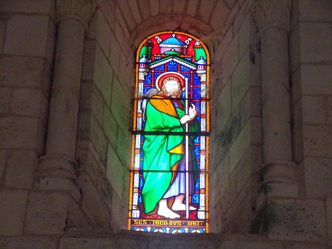 Gensac-la-Pallue - L'église Saint-Martin - Le vitrail 'L'apôtre Jacques' (15 août 2016)